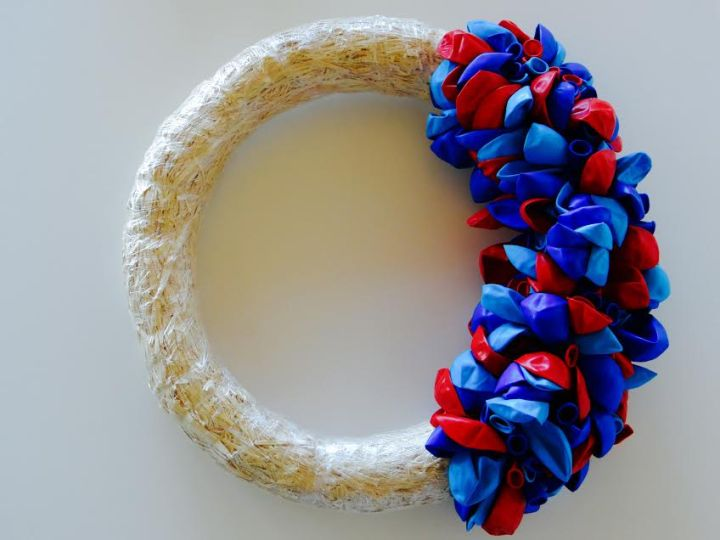 balloon wreath 2